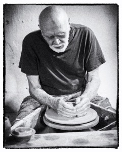 Warren MacKenzie Throwing at the Leach Pottery, 2013.